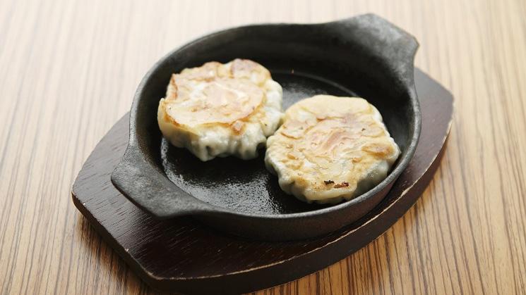 鉄板海老ニラ大焼餃子